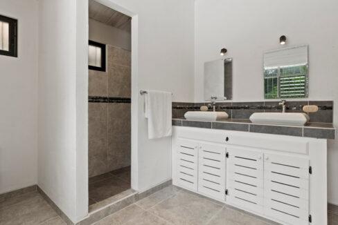 Costa Rica Real Estate - 7 Bedroom Home