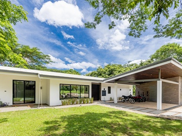Casa Poiema Featured Image