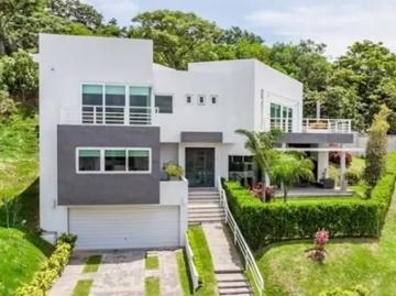 Escazu Modern Home Featured Image