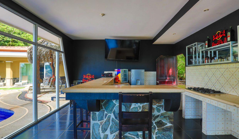 Costa Rica Real Estate - Villa Los Amigos